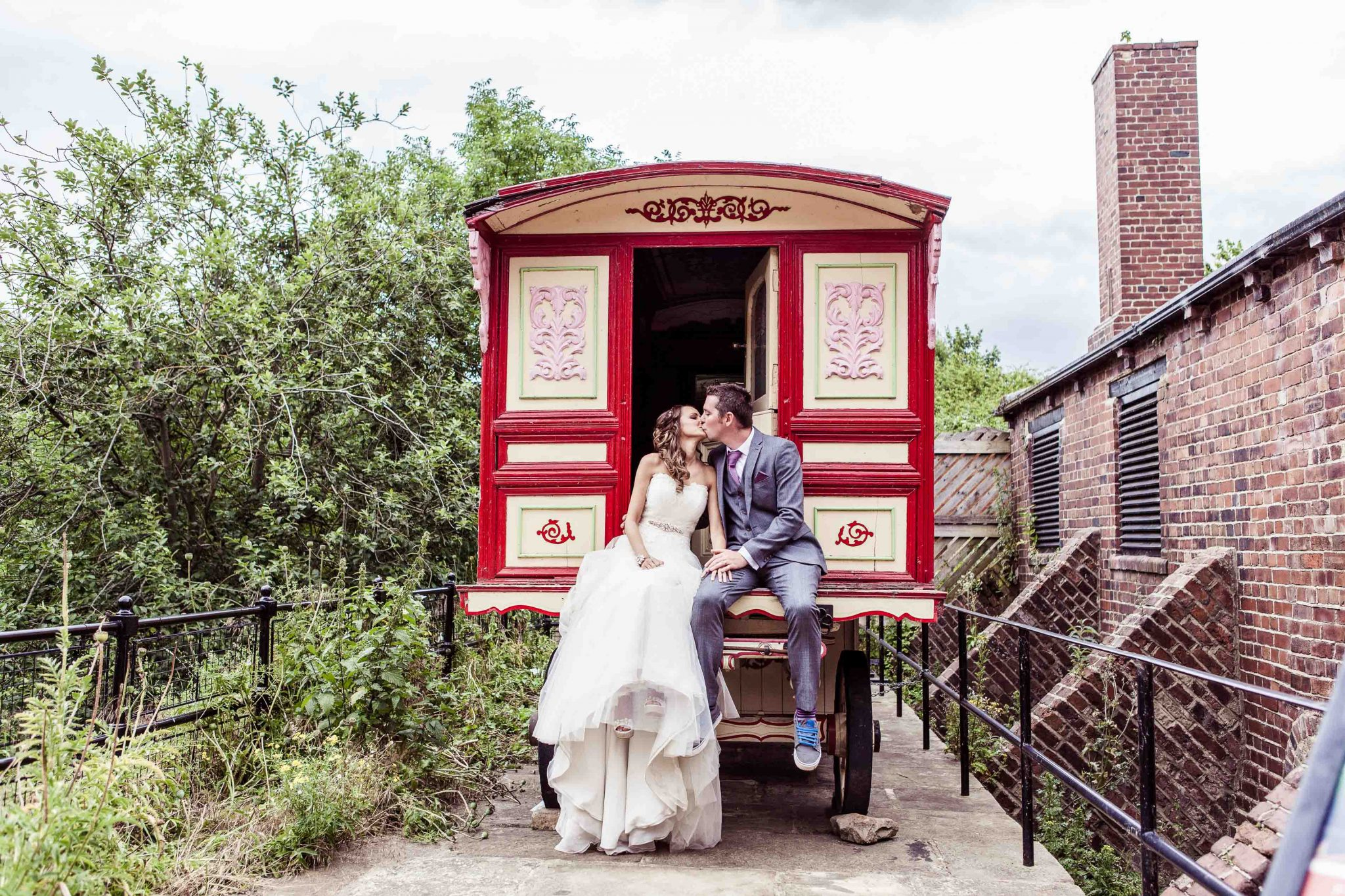 Gypsy caravan Thwaite Mills Stourton, leeds wedding photographer Sadie Ferriday photographed the beautiful alternative wedding
